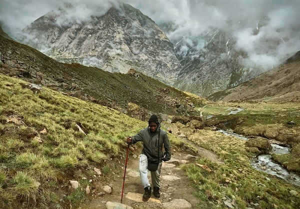 Trekking in the Himalayan mountains in Nepal - Placement Year International
